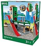 BRIO World 33204 - Parkhaus, Straßen und Schienen